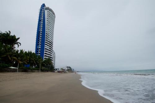 Departamento en Grand Diamond Beach, Tonsupa