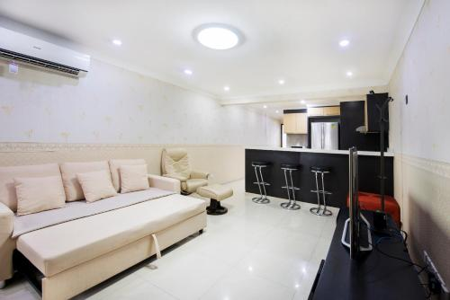 Two-Bedroom Serviced Apartment Orchard, Singapura