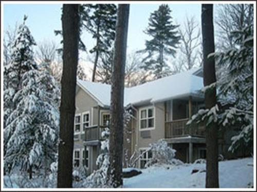 The Lake Of Bays Lodge Photo
