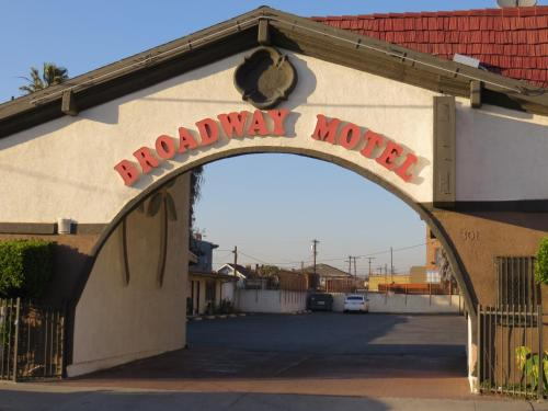 Broadway Motel Photo