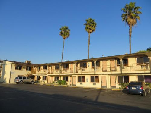 Broadway Motel
