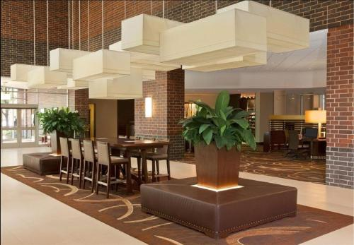 Sheraton Indianapolis Hotel at Keystone Crossing photo 12