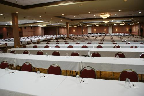 Decatur Conference Center and Hotel Photo