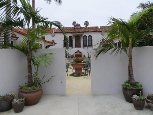 Casa Del Mar Inn Photo