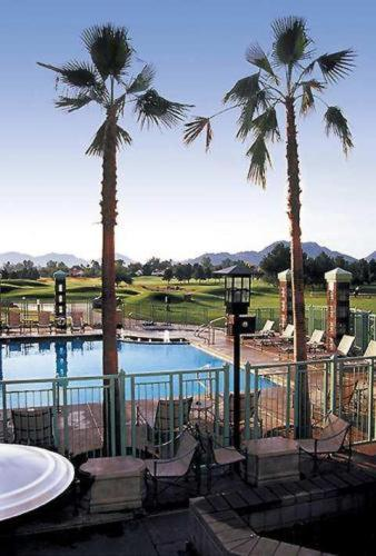 Embassy Suites Phoenix - Scottsdale photo 2
