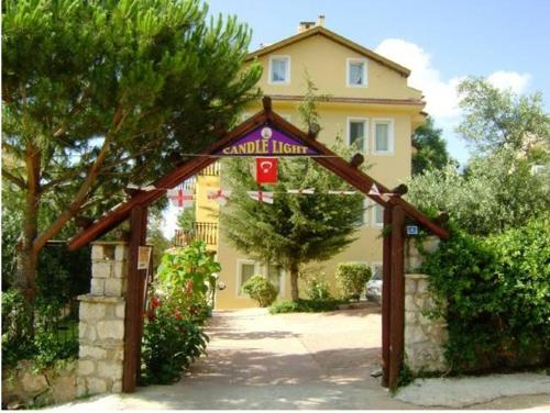 Oludeniz Candlelight Motel and Apartments price