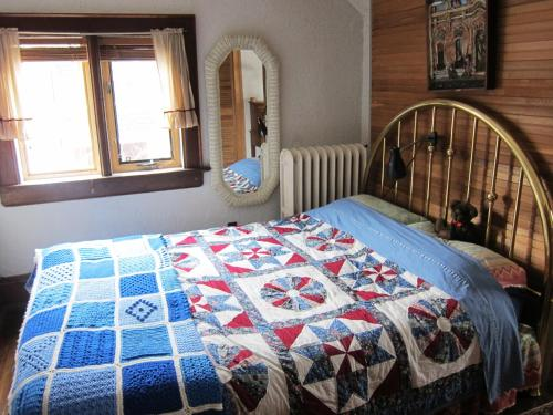 Inverness High Park Bed & Breakfast Photo