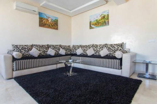 Res Mario 3 Lovely Apartment With Balcony & Sea View Free Wifi, Casablanca