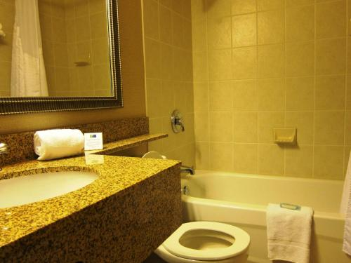 Holiday Inn Express North York photo 5