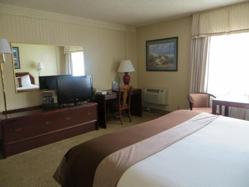 AAE Denver Ramada photo 3