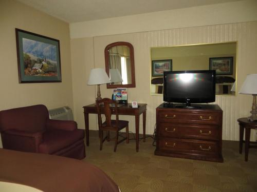 AAE Denver Ramada photo 13