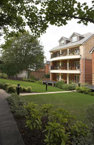 Photo of Westland's House Basingstoke Hotel Bed and Breakfast Accommodation in Basingstoke Hampshire