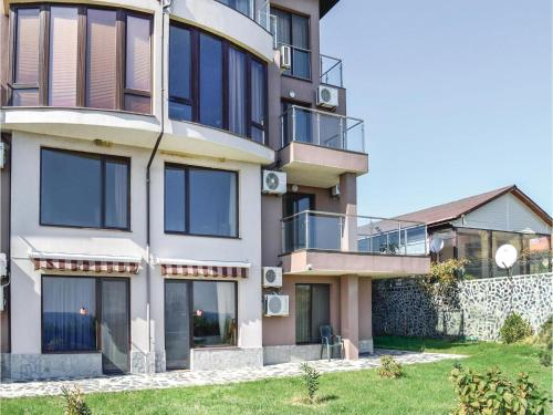 Two-Bedroom Apartment in Sinemorets, Sinemorets