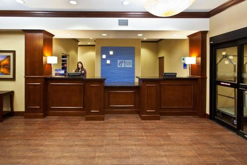 Holiday Inn Express & Suites Sioux Falls Southwest Photo