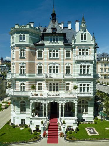 Savoy Westend Hotel in Karlovy Vary from €153