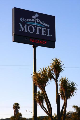 Ocean Palms Motel Photo