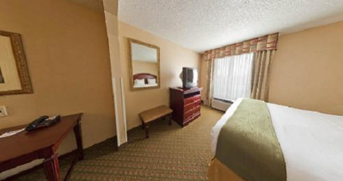 Holiday Inn Express Hotel & Suites San Antonio - Rivercenter Area Photo