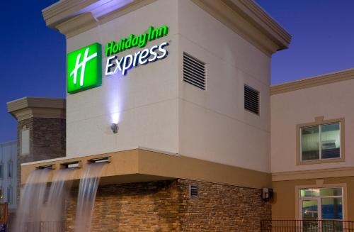 Holiday Inn Express Wisconsin Dells Photo