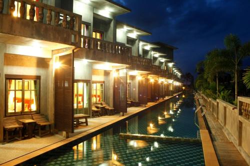 See Through Resort Haad Yao picture