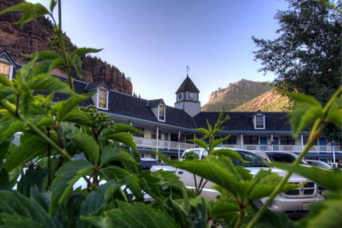Ouray Victorian Inn Photo
