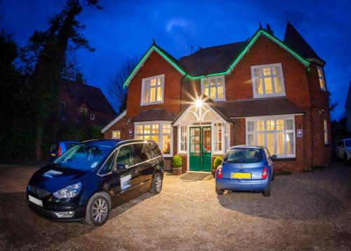 Gatwick Turret Guest House (B&B)