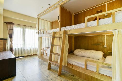 Hotel Forest Lake Backpackers' Hostel, Покхара