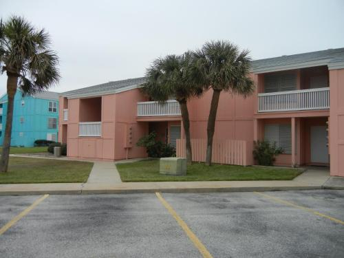 Executive Keys Condominiums on the Beach Photo