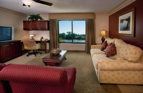 Embassy Suites Sacramento - Riverfront Promenade Photo