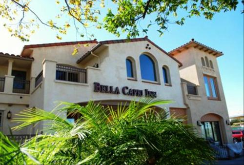 Bella Capri Inn and Suites Photo