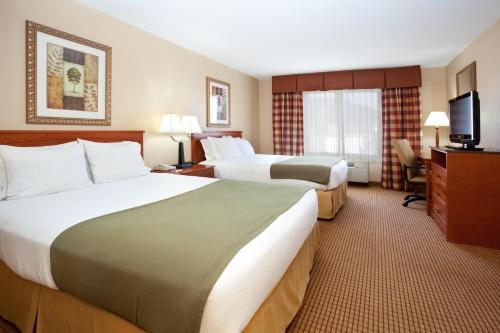 Holiday Inn Express Glenwood Springs Aspen Area Photo