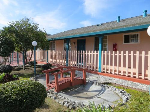 Americas Best Value Inn & Suites - Santa Cruz, CA 95060