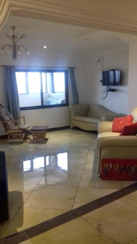 New England Suites, Freetown