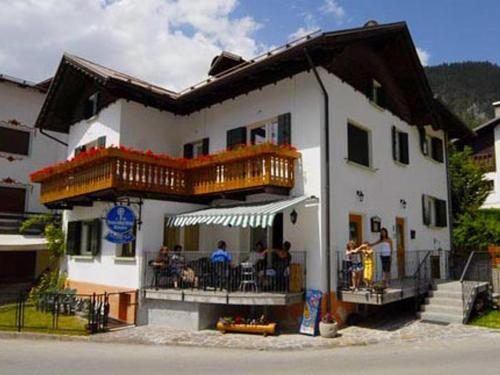 Auronzo di cadore hotels hotel booking in auronzo di for Meuble barancio