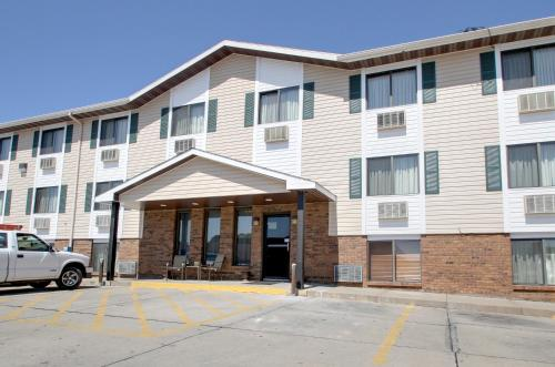Super 8 Manhattan Ks - Manhattan, KS 66502