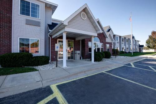 Americas Best Value Inn Racine Photo