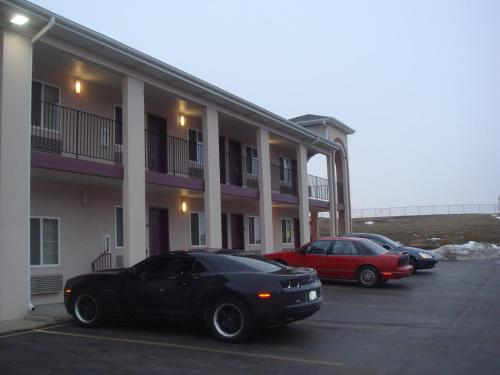 Townhouse Inn & Suites Omaha Photo