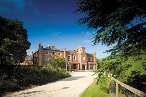 Photo of The Cedars Hotel & Conference Centre Hotel Bed and Breakfast Accommodation in Reading Berkshire