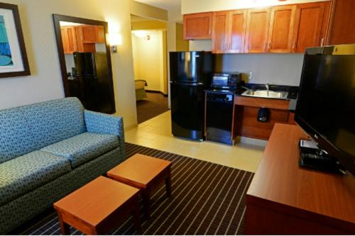 Holiday Inn Express Hotels- Hampton Photo