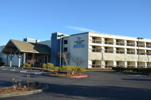 Best Western Plus Silverdale Beach Hotel Photo