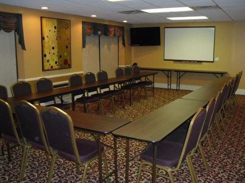 Americas Best Value Inn - Goodlettsville Photo