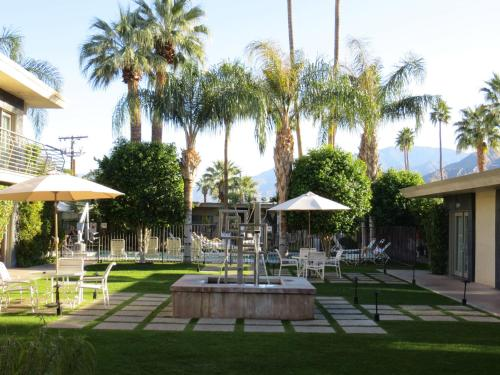 7 Springs Inn & Suites - Palm Springs, CA 92262