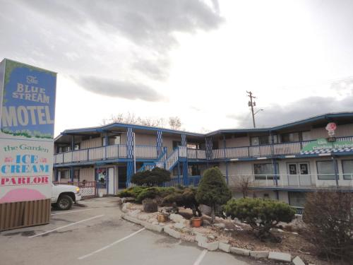 Blue Stream Motel Photo