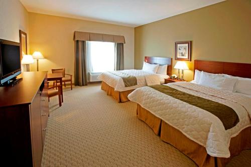 Best Western Plus Montezuma Inn and Suites Photo