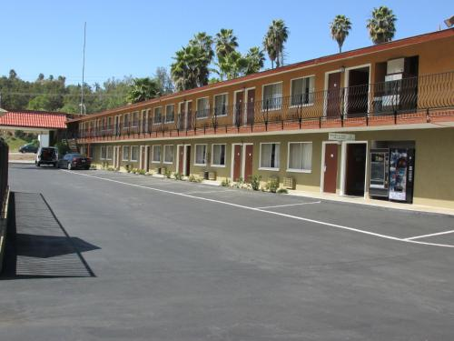 Escondido Lodge Photo