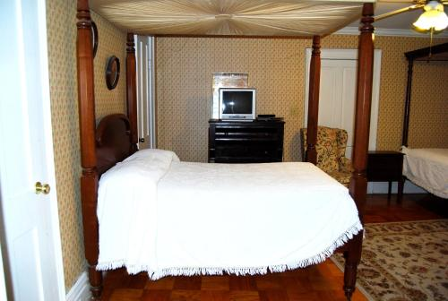 Glenfield Plantation Historic Antebellum Bed and Breakfast Photo