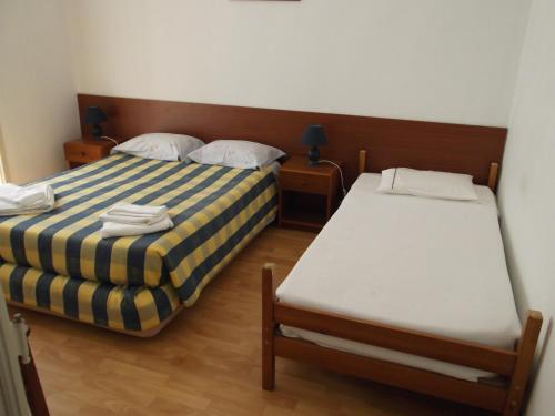 Hostal Low Cost Rooms thumb-3