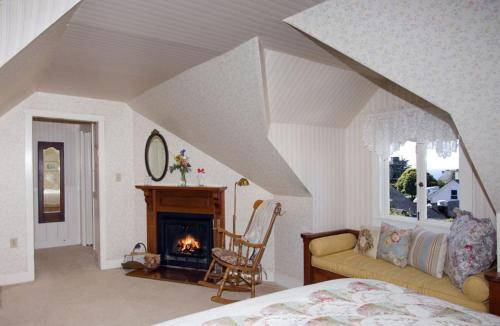 Headlands Inn Bed and Breakfast - Mendocino, CA 95460