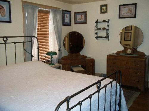 A Sentimental Journey Bed and Breakfast Photo
