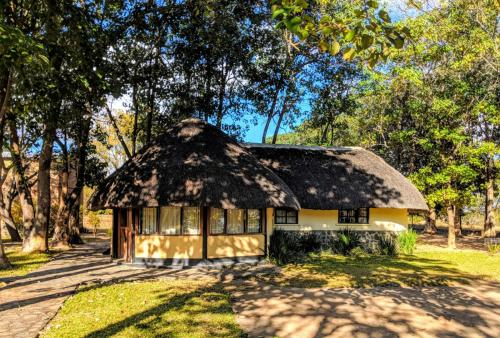 Mambushi Lodge, Choma