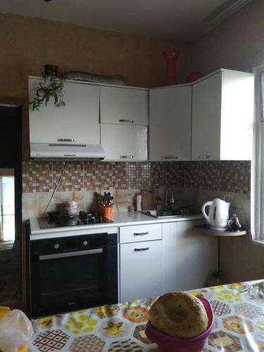 Guesthouse Kainar, Каракол